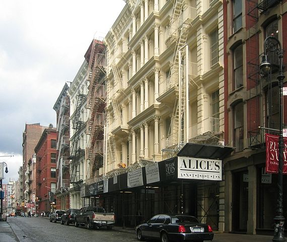 """NYC SoHo Green Street"" by Photo: Andreas Praefcke - Own work. Licensed under CC BY 3.0 via Wikimedia Commons - http://commons.wikimedia.org/wiki/File:NYC_SoHo_Green_Street.jpg#/media/File:NYC_SoHo_Green_Street.jpg"