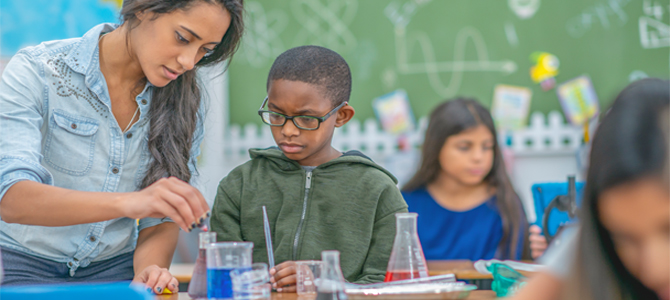 Hey, teachers! Apply for an SRP Classroom Connections Grant by Feb. 28.