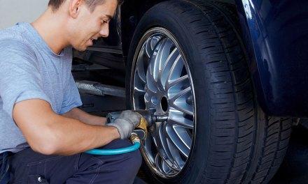 Como fazer o rodízio de pneus
