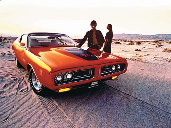 Dodge-Charger_RT_1971_1024x768_wallpaper_01