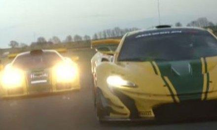 McLaren F1 GTR e P1 GTR se encontram na pista
