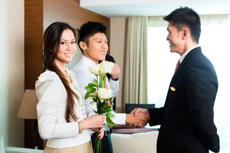 strategies to market hotel