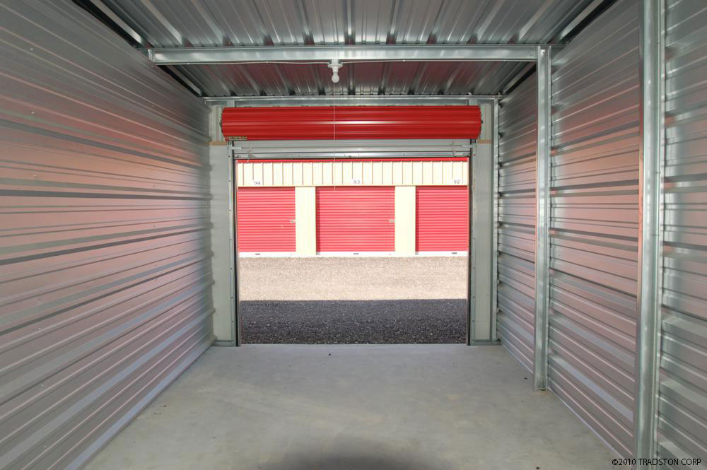 What Should Contractors Store In Storage Spaces?
