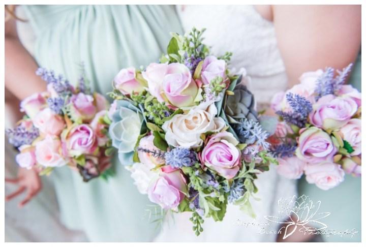 Gatineau-Golf-Club-Wedding-Stephanie-Beach-Photography-bouquet-bridesmaids