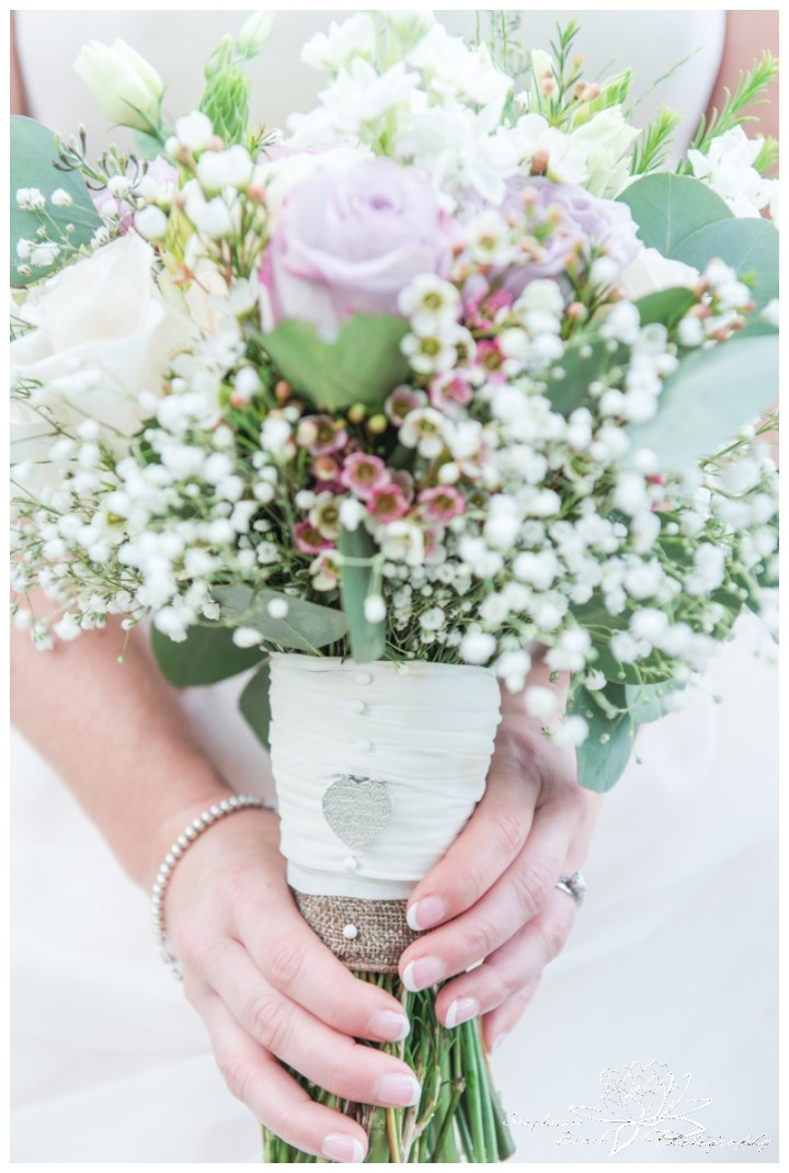 Strathmere-Inn-Wedding-Stephanie-Beach-Photography-bouquet-stone-blossom