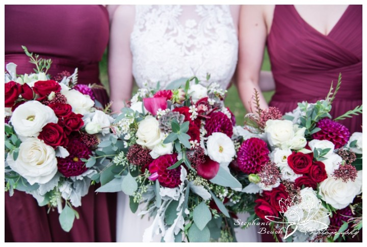 Strathmere-Lodge-Wedding-Stephanie-Beach-Photography-bride-bridesmaids-bouquet-flowers