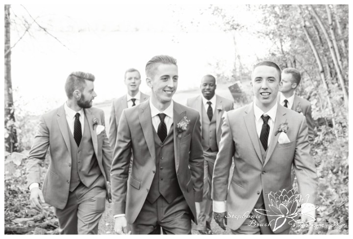 Ottawa-Fall-Wedding-Stephanie-Beach-Photography-groomsmen-portrait