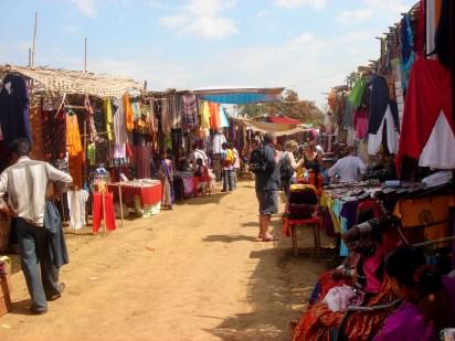 anjuna wednesday flea market goa