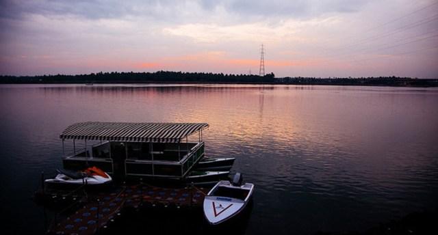 Beautiful backwaters in Dindi