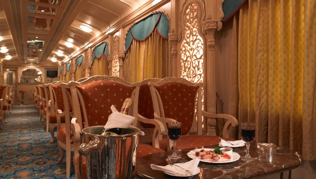The Golden Chariot Luxury Train Lounge Images