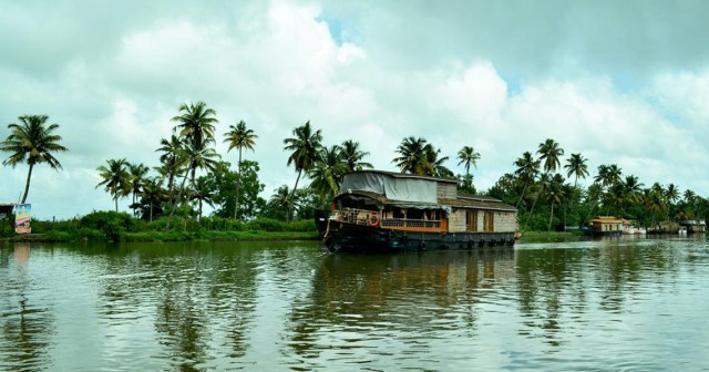 alappuzha boat house kerala monsoon