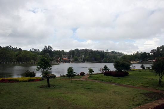 yercaud-lake-centre-of