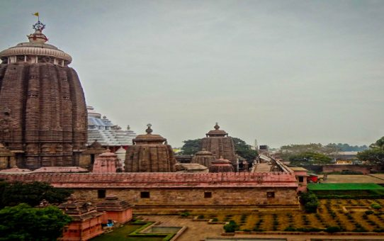 5 reasons why you should visit the Puri Jagannath Temple