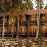 Refresh your senses at the spectacular houseboats of Dindi