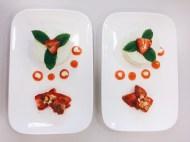 Basilikumcreme mit Erdbeersalat