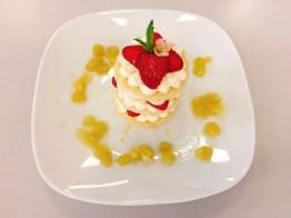Erdbeer-Creme-Törtchen mit Rhabarber