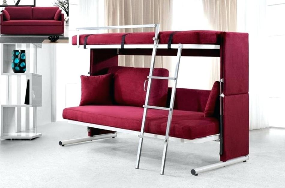 把梳化推高實用性, 親友作客時客廳都變成客房
