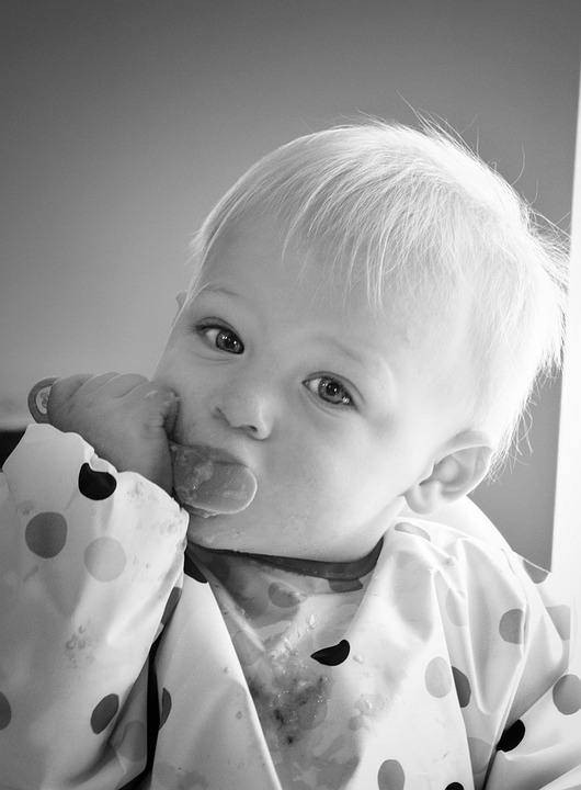 care routines a child feeding himself