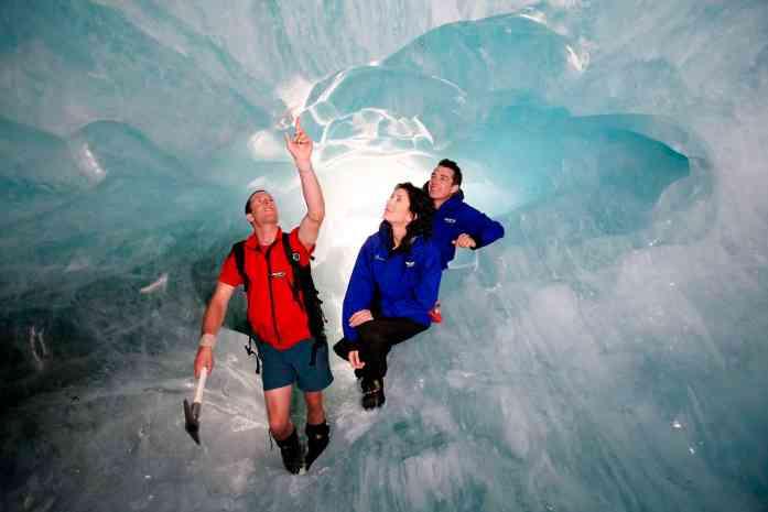 Stray NZ glacier heli hike