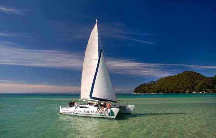 Sailing Abel Tasman - Stray NZ