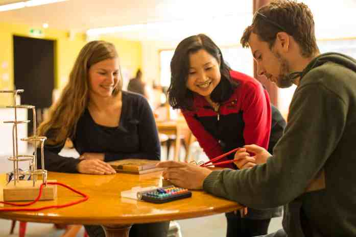 Wanaka Puzzling World - Puzzle Centre/Cafe - Stray NZ