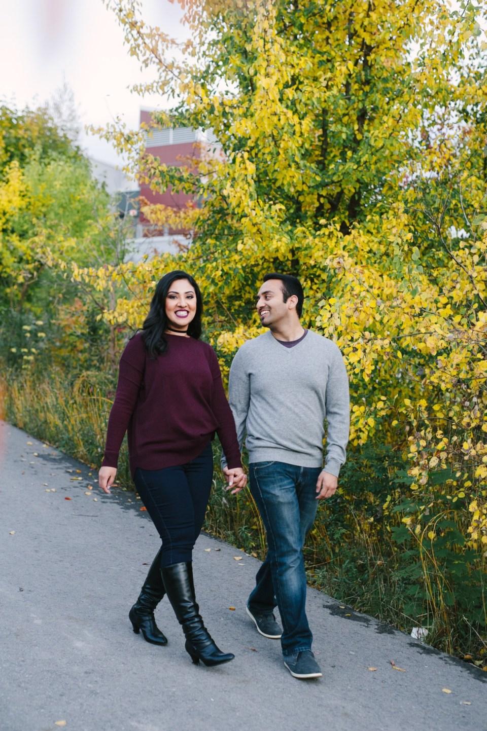 fall engagement photos toronto evergreen brickworks