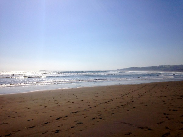 A gorgeous day in Concón full of sun, sand, and smiles, located just 20 minutes away from Viña del Mar, Chile!