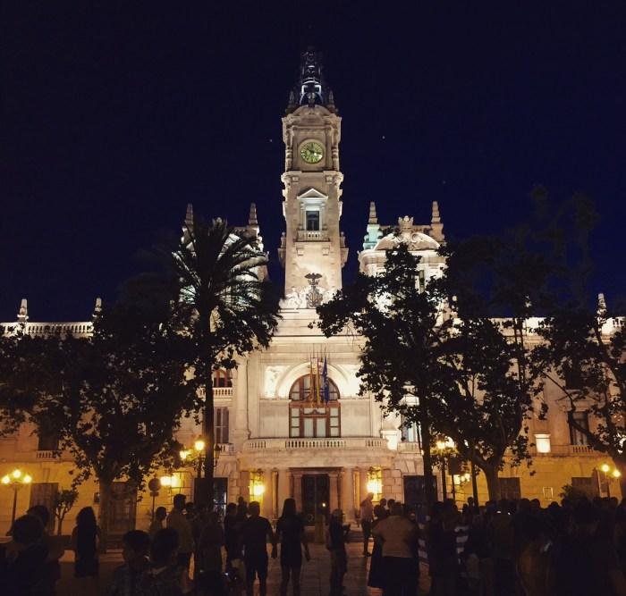 La Plaza del Ayuntamiento, Valencia, Spain - Camerino - Photo 4  (1)