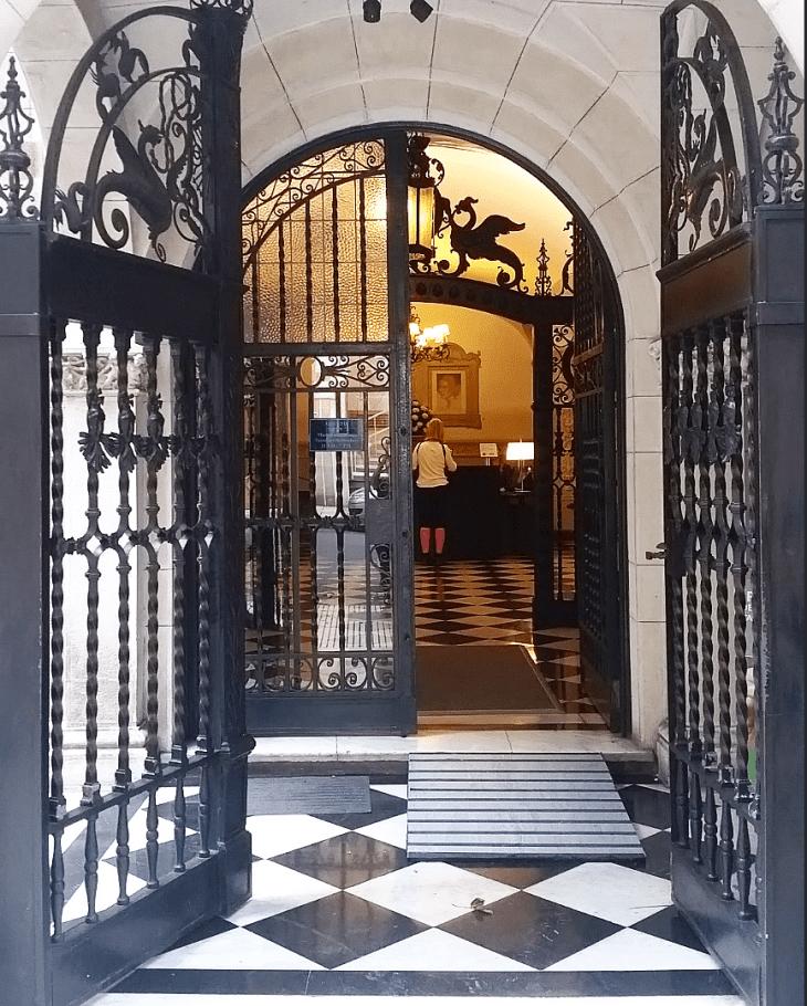 Evita, Buenos Aires, Argentina-Lundquist-Photo 2