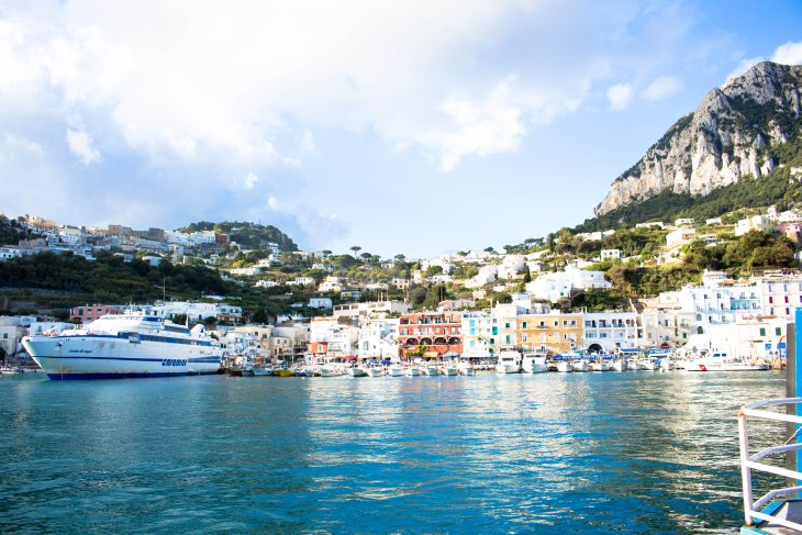 boat-tour-of-capri_italy_annissapeterson_photo3