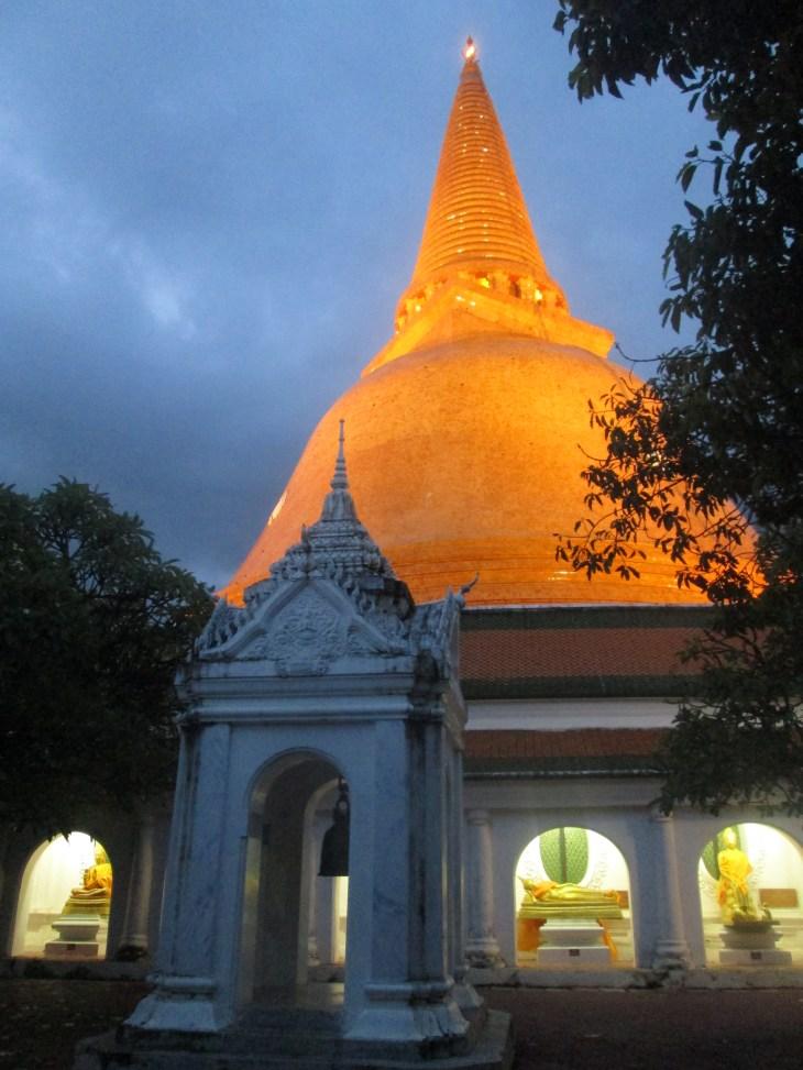 phrapathomchedi_nakornpathom_thailand_natalieschunk_photo3