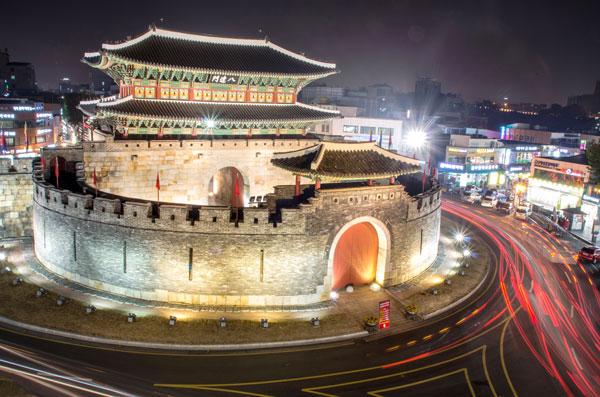 south_korea.seoul.fall2013.culture_customs_traditions.suwon_fortress.yeejkim_yang