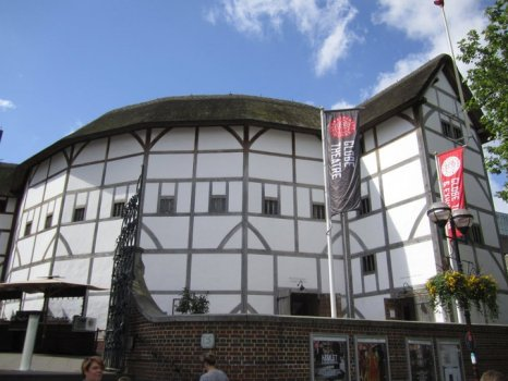 isa_study_abroad_london_globe_theatre