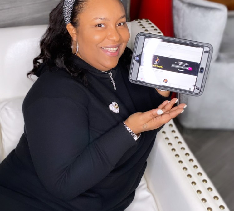 4 Ways Hairstylist Breyanda Smith Uses StyleSeat to Make More Money