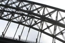 En passant sous Harbour bridge