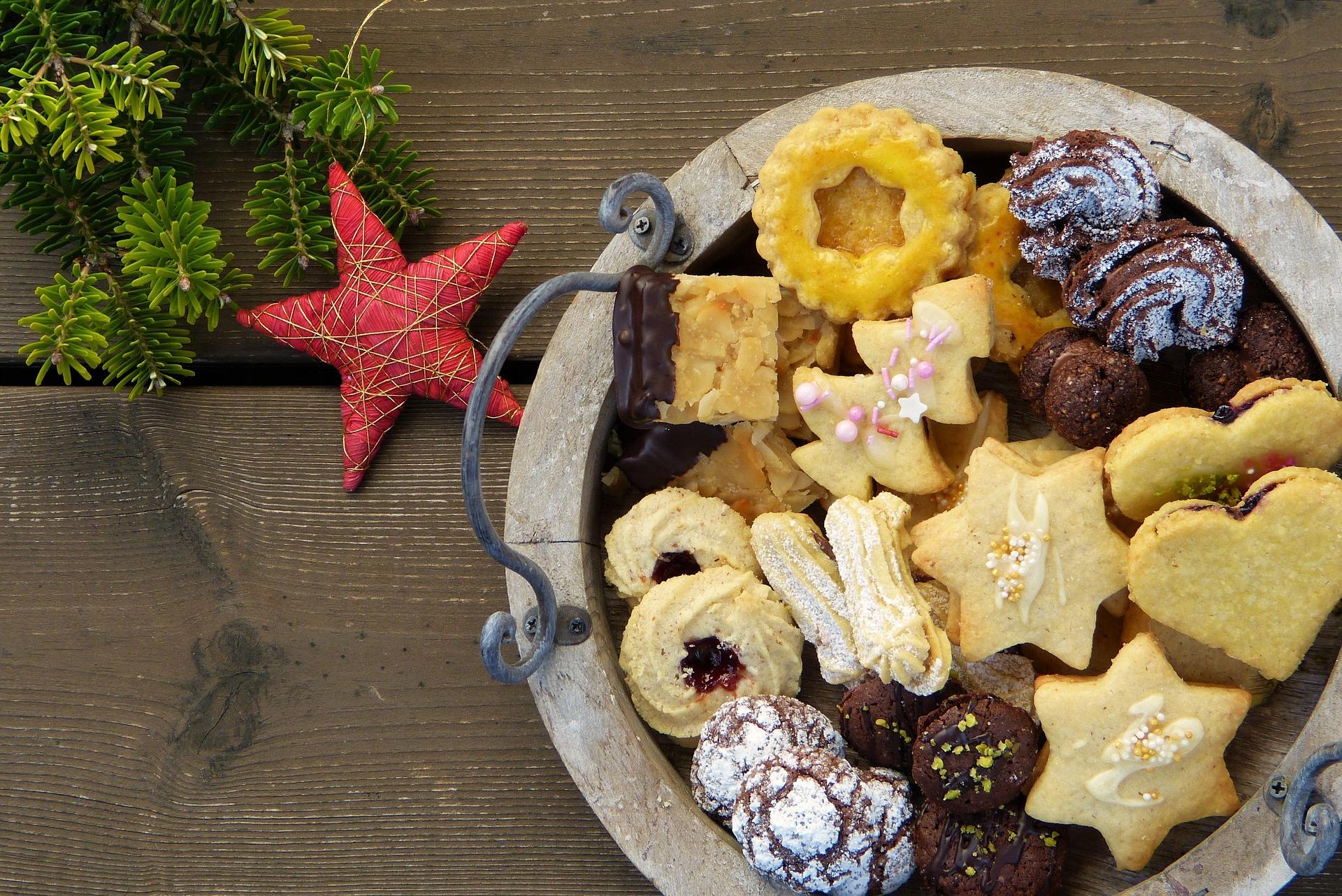 christmas-cookies-2975570_1920.jpg