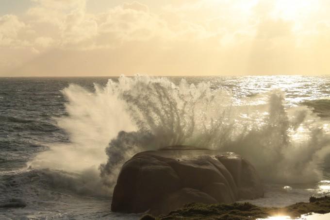 De Indische Oceaan Zuid-Afrika golf