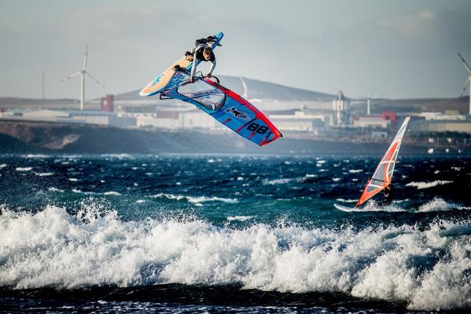 Surf tricks in Gran Canaria