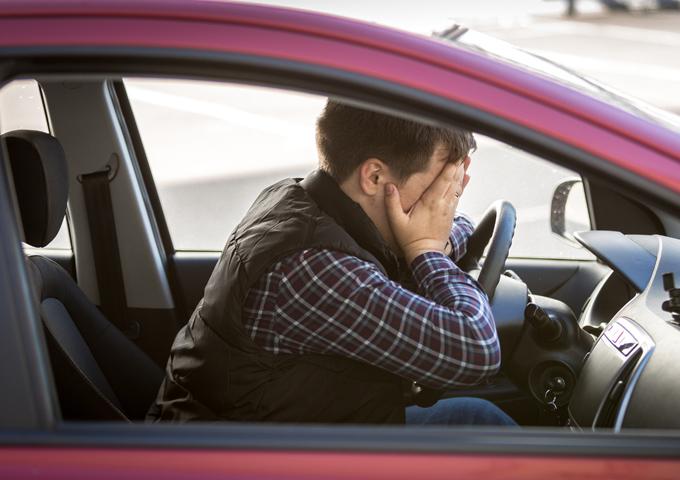 help mijn man kan geen automaat rijden huurauto