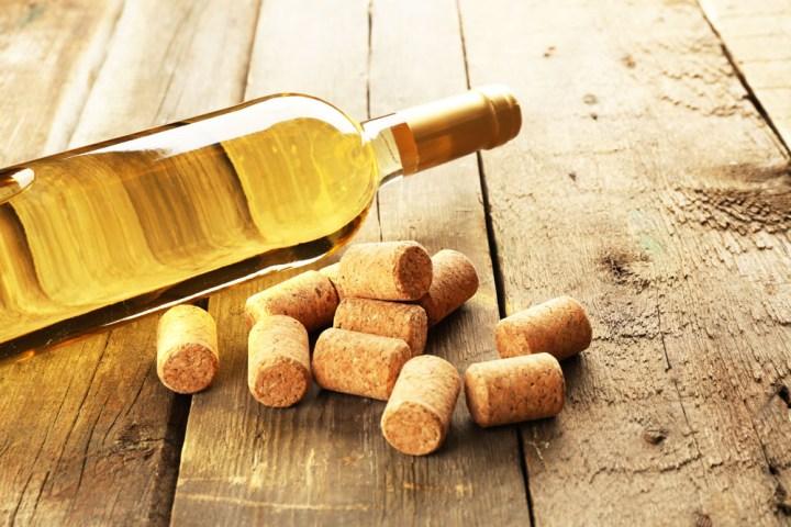 White-Bordeaux-bottle
