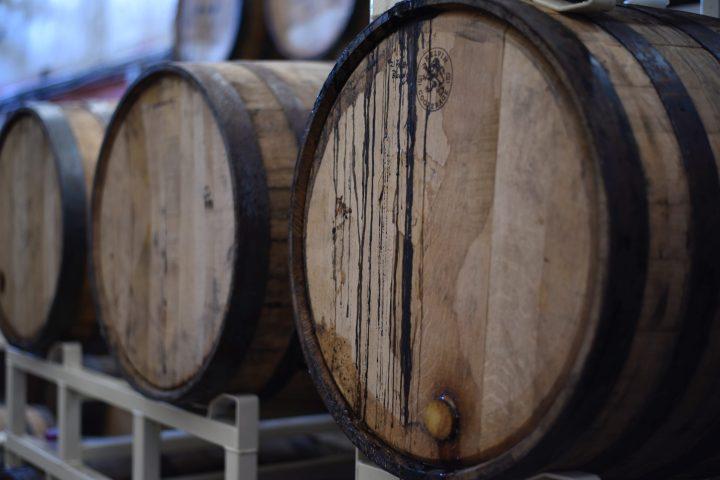 barrels-beer-close-up-1267359