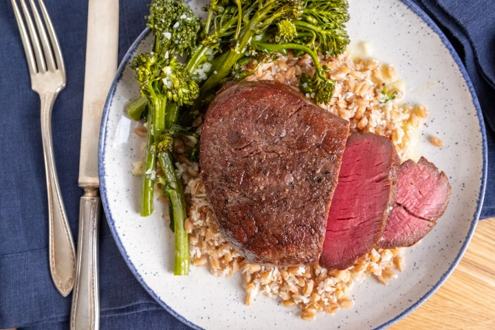 This image has an empty alt attribute; its file name is Steak_Broccolini_Hero-1300px-1.jpg