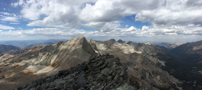 Wow, the view from the summit of Old Hyndman!