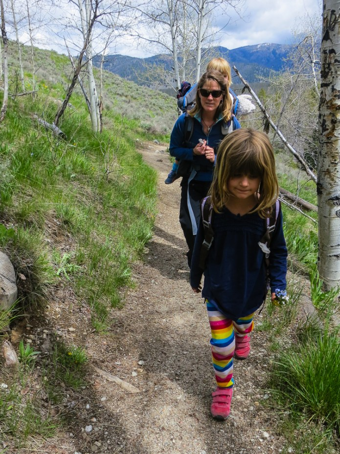 The girls starting out on the 2 mile hike into the Fishhook Yurt