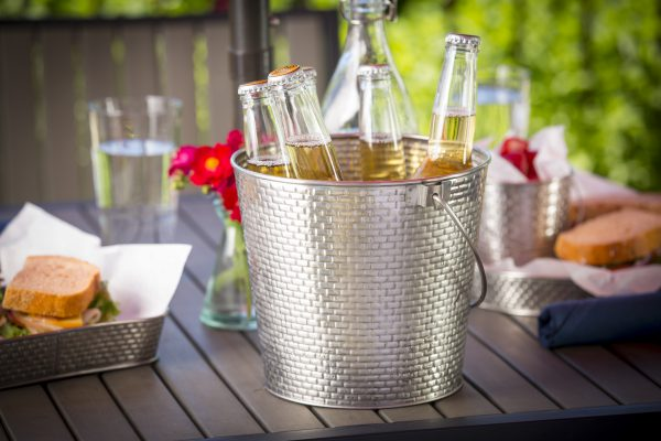 brickhouse collection bucket with drinks