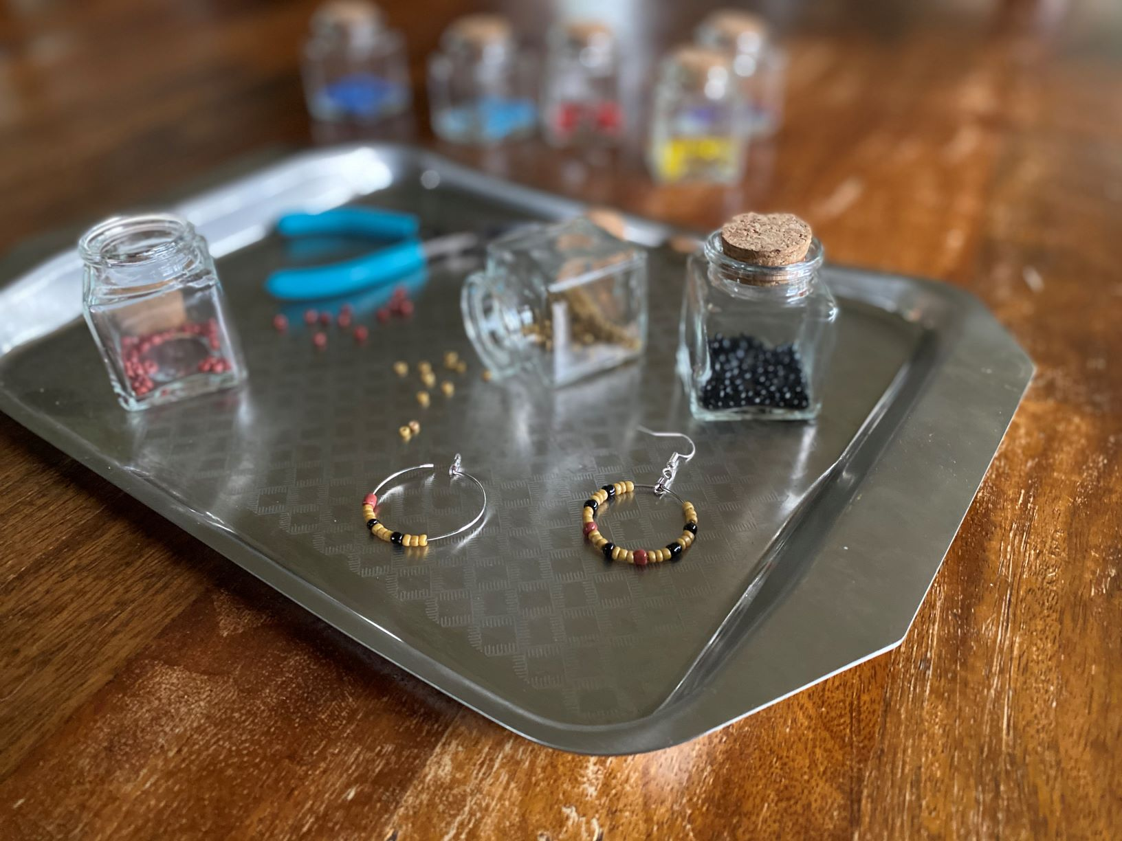 Earring crafts with the better burger tray