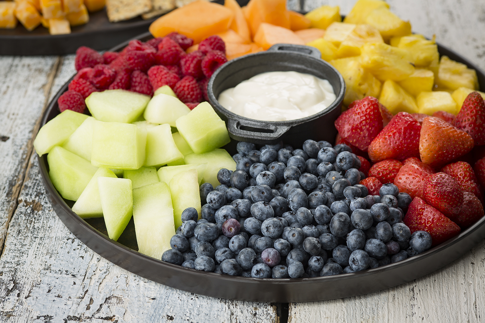 fruits and dip Chacuiterie board