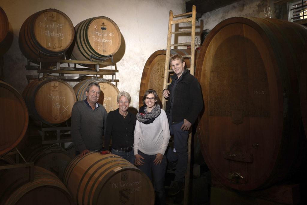 Weinbau Schwarzenbach in Meilen geniesst bei Kunden einen ausgezeichneten Ruf. Nun hat mit Sohn Alain Schwarzenbach die fünfte Generation das Unternehmen übernommen. (Foto: Doris Fanconi)