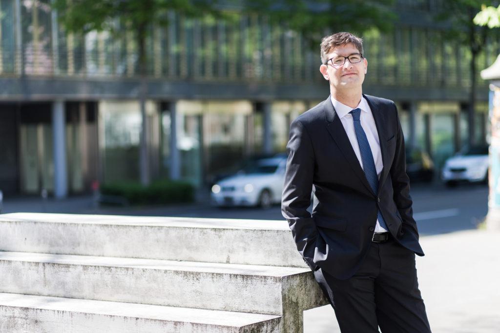 Der neue Stadtzürcher FDP-Präsident Severin Pflüger gilt als Vertreter der Wirtschaft. Stadtrat will er nicht werden - vorerst. (Foto: Giorgia Müller)