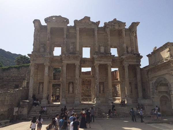 Efes Antik Kenti Kütüphanesi